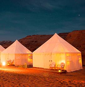 التخييم في الصحراء دبي